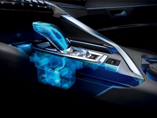 Peugeot 5008 SUV technology features in the gearbox